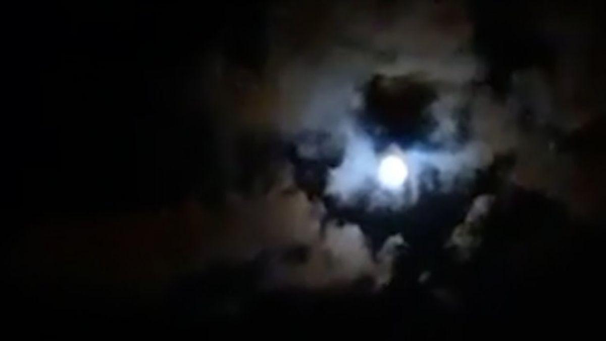 Viral: la increíble silueta de Maradona reflejada entre las nubes y la luna en Paraná
