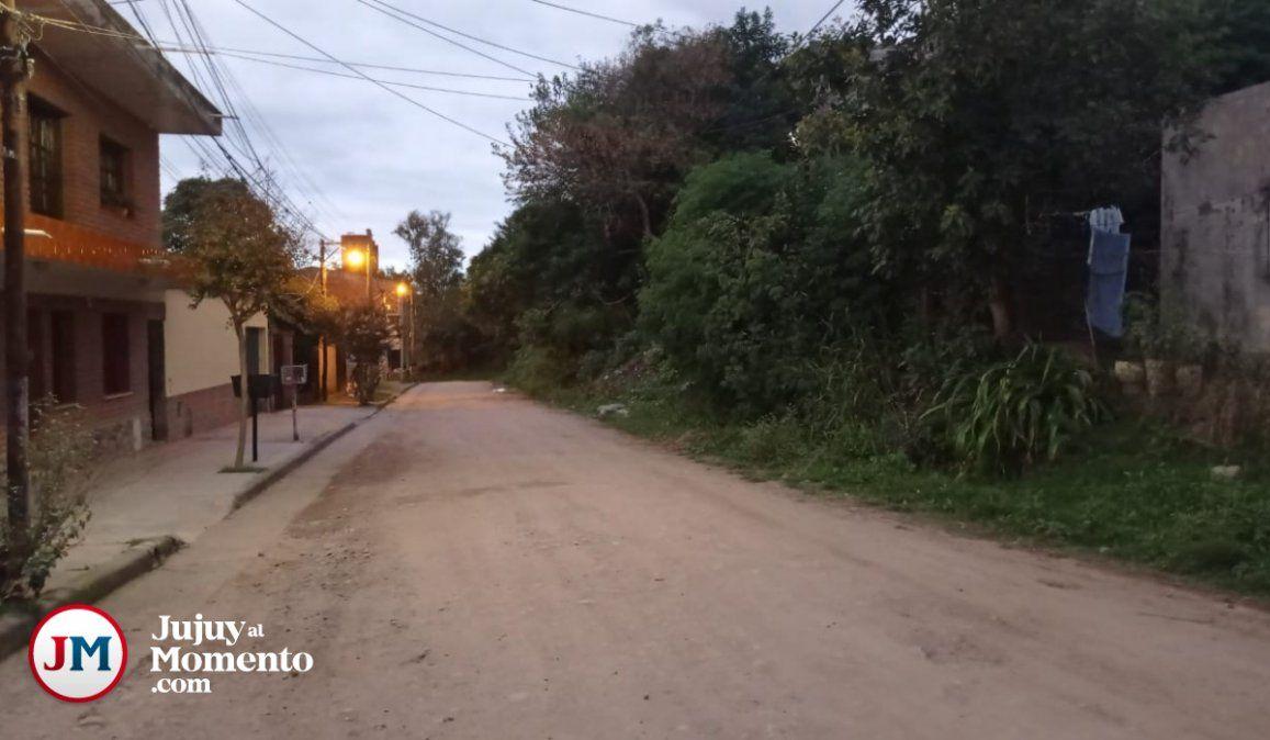 Oscura, insegura y poblada de alimañas, así describen los vecinos a la calle San Pablo