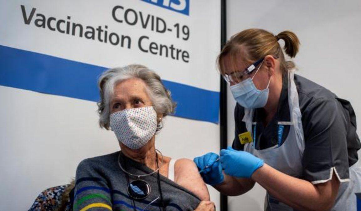 Reino Unido alcanzó la meta de vacunar a 15 millones de personas
