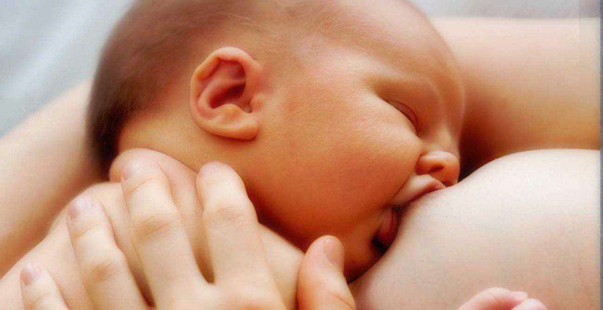 Estoy enferma pero quiero amamantar a Mi Bebe ¿Es eso posible?