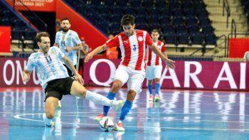 Argentina goleó a Paraguay y pasó a cuartos de final