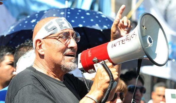 El Perro Santillán muestra su patrimonio y pide que sindicalistas lo imiten