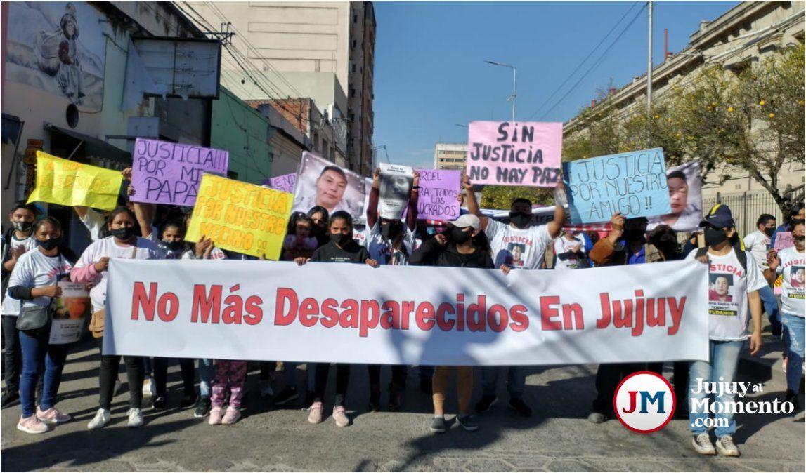 Caso Villa: familiares y amigos marcharon para pedir justicia