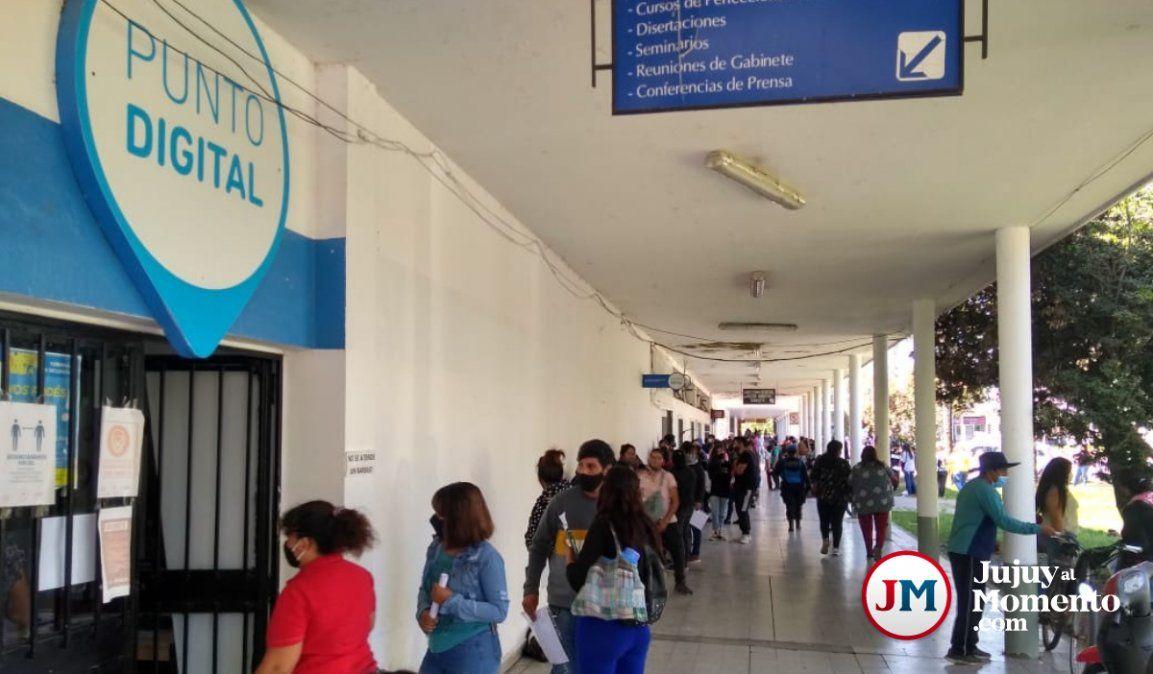 Palpalá: Interminables filas en busca de trabajo