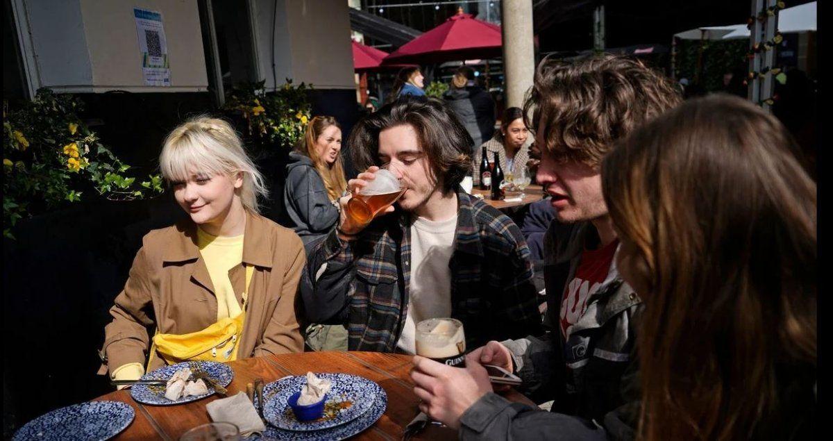 Covid: los ingleses están viviendo la felicidad de la reapertura