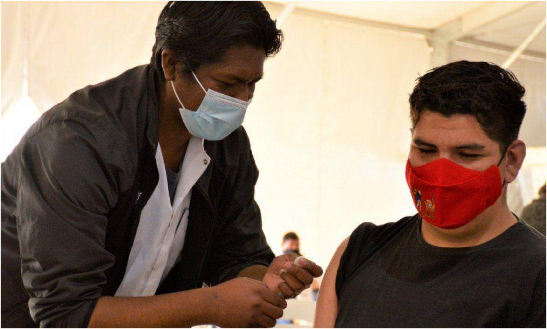 ¿Por qué es importante que los adolescentes sin factores de riesgo se vacunen?