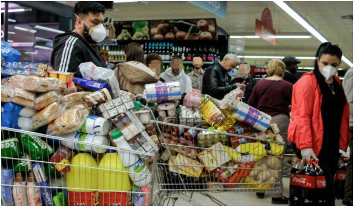 Las ventas en supermercados y mayoristas crecieron hasta un 21%