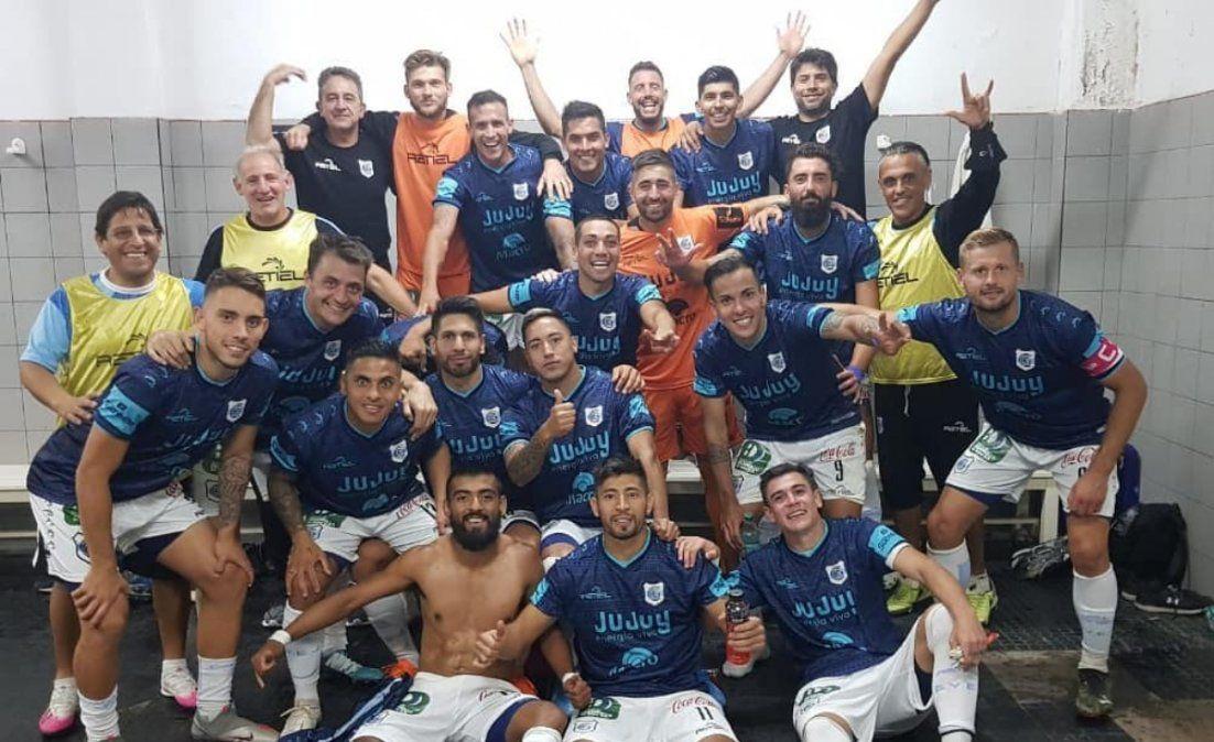 En duelo de necesitados, Gimnasia se hizo fuerte en Córdoba