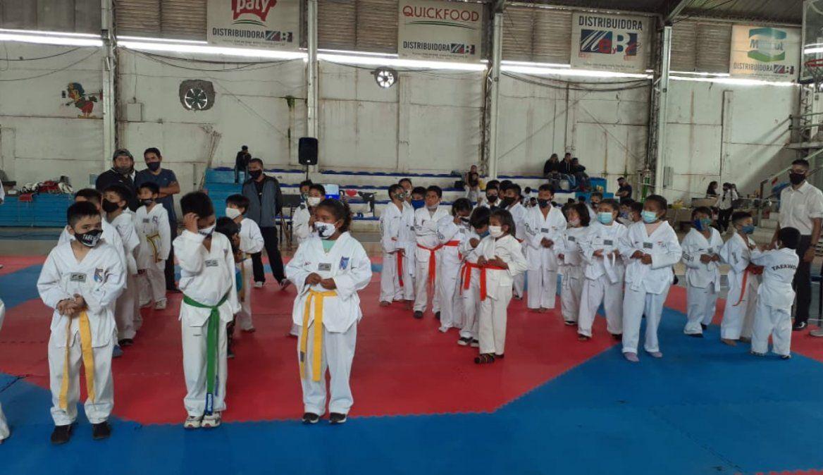 Con éxito, se llevó a cabo el primer Encuentro recreativo de Taekwondo en Perico