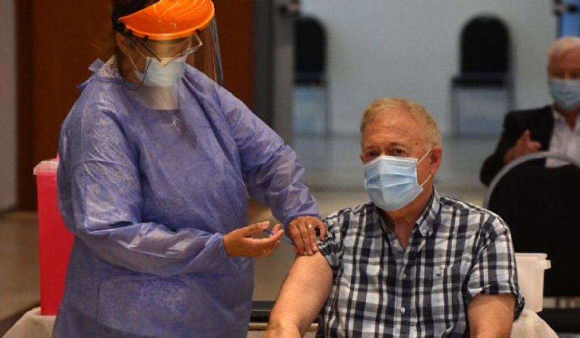 Una buena: los casos sintomáticos de coronavirus caen un 94% entre los vacunados
