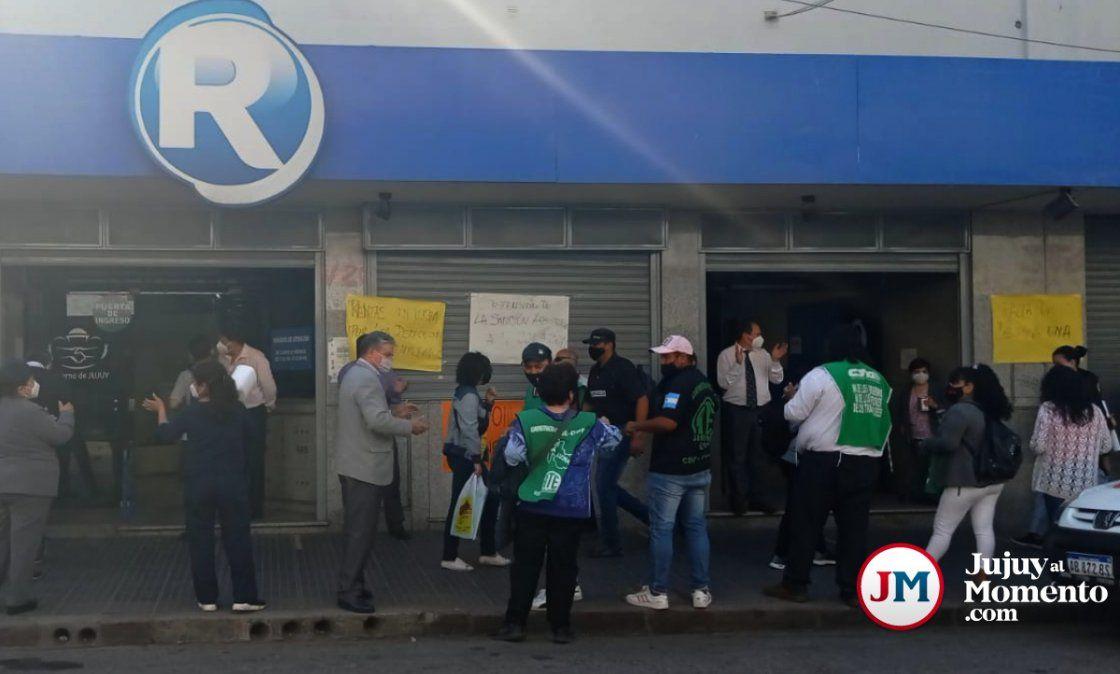 Continúa el conflicto en Rentas y volvieron las protestas
