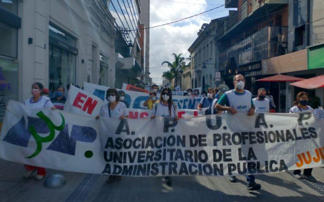 El sector de la Salud se plantó en la calle contra el gobierno