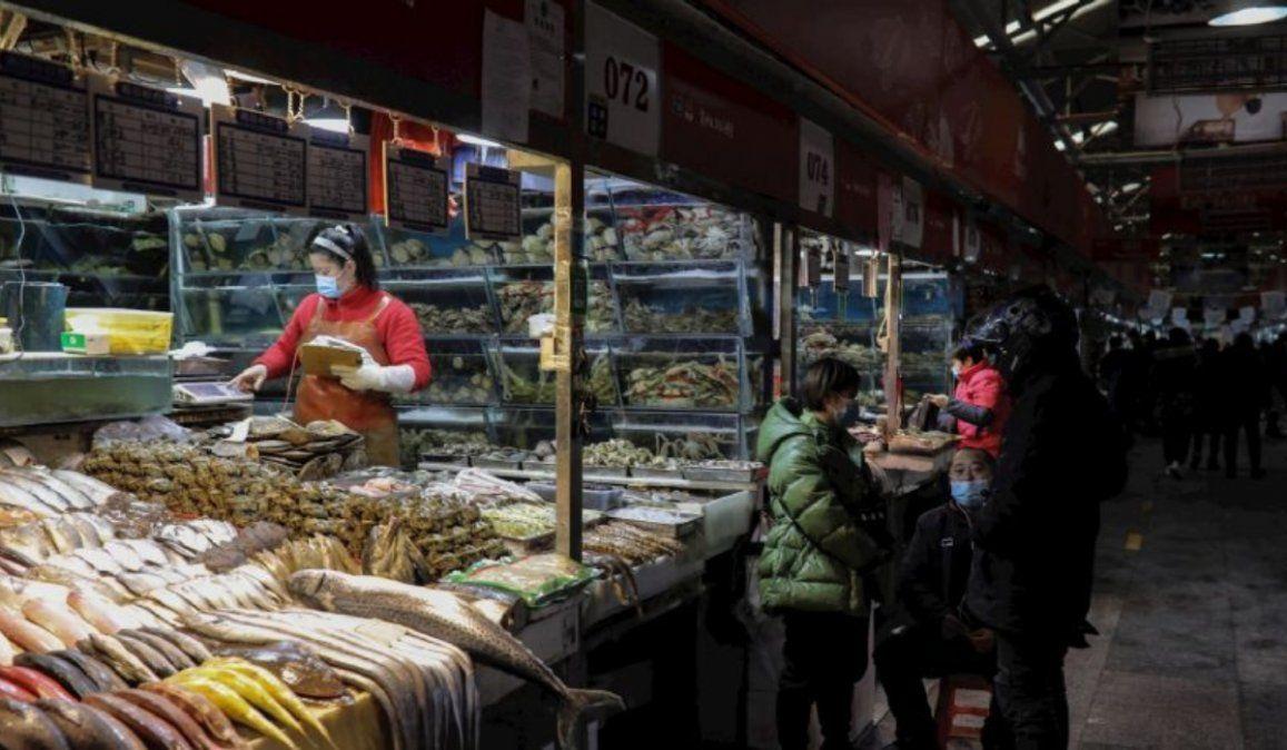 China confinará otra ciudad para frenar al coronavirus