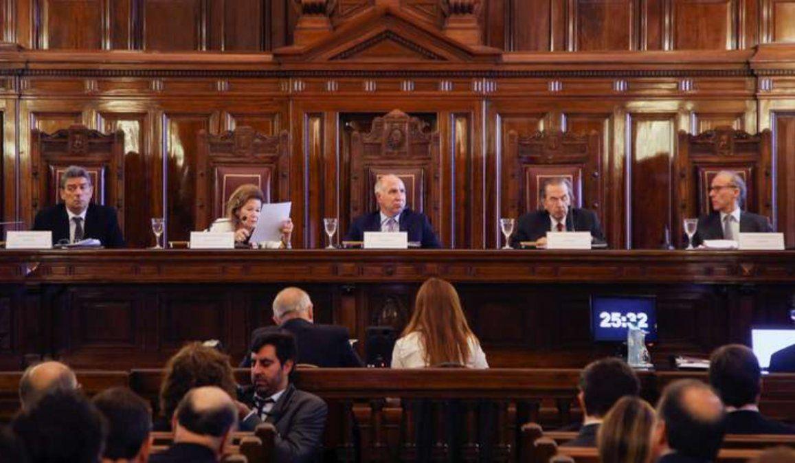 Duro revés para Alberto: La Corte falló a favor de las clases presenciales