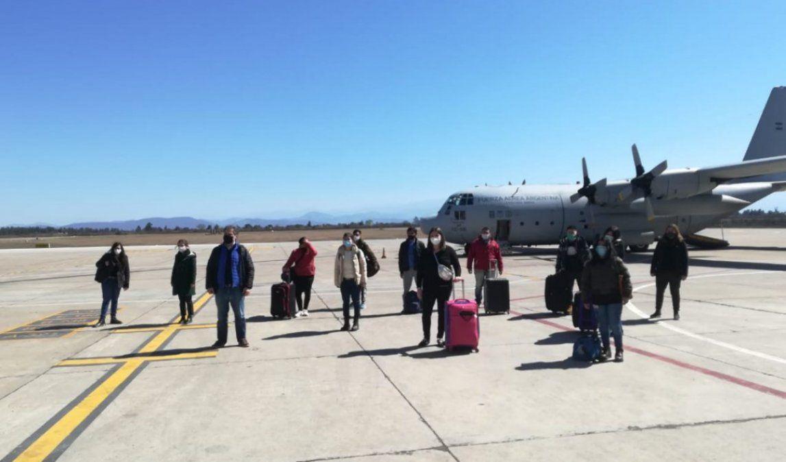 Llegaron profesionales de Córdoba y Buenos Aires, esta vez para asistir a hospitales del interior