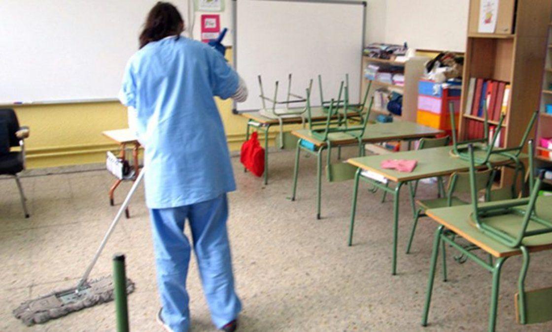Presencialidad plena: regreso a las escuelas con falta de personal de maestranza