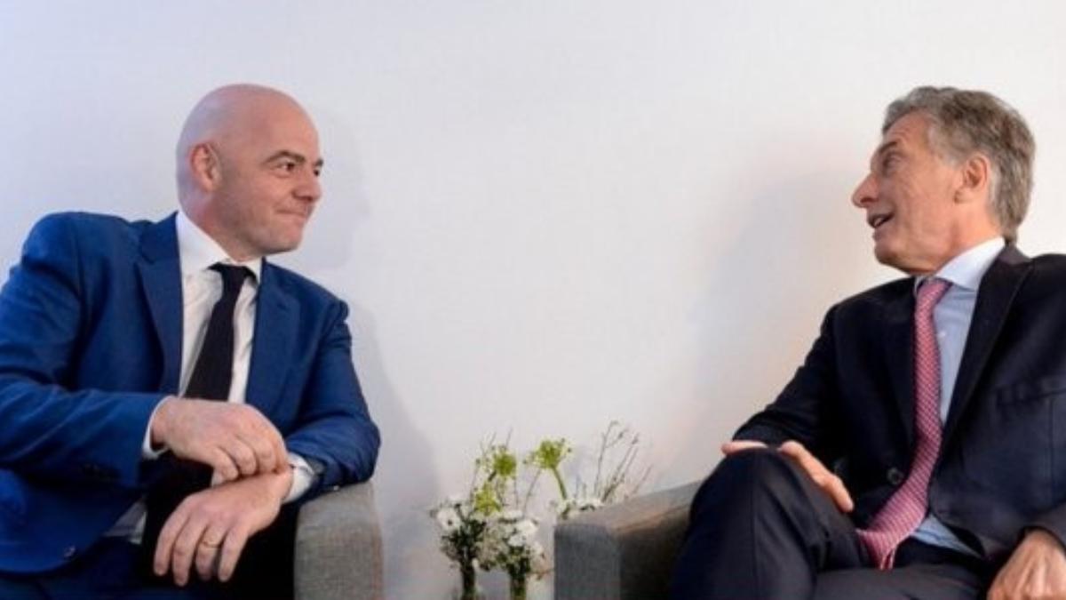 Mauricio Macri llegó a Francia y en dos semanas podrá ir a la FIFA