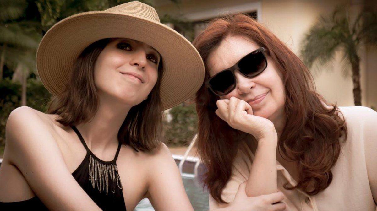 Cristina junto a su hija Florencia regresaron de Cuba y cumplen el aislamiento