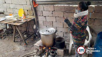 Sin respuestas del municipio, siguen alimentando a 90 chicos con ayuda de vecinos