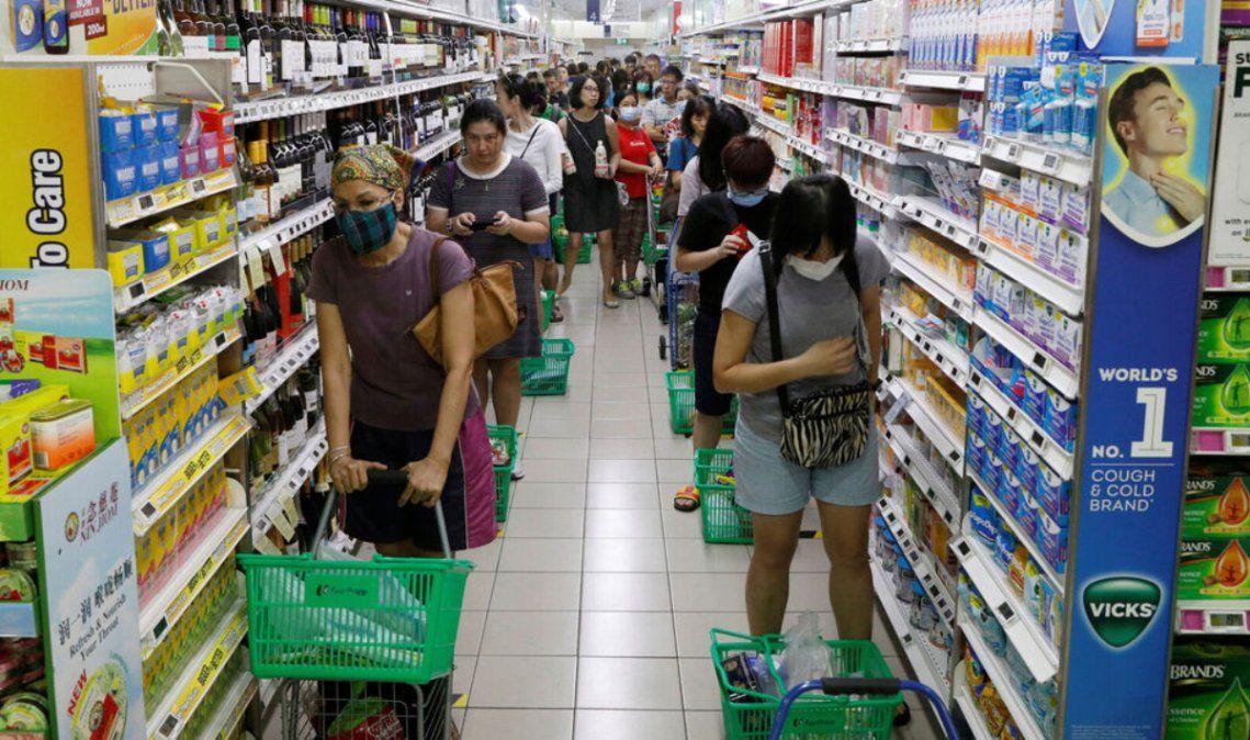 Niños de hasta 12 años podrán acompañar a los padres a supermercados
