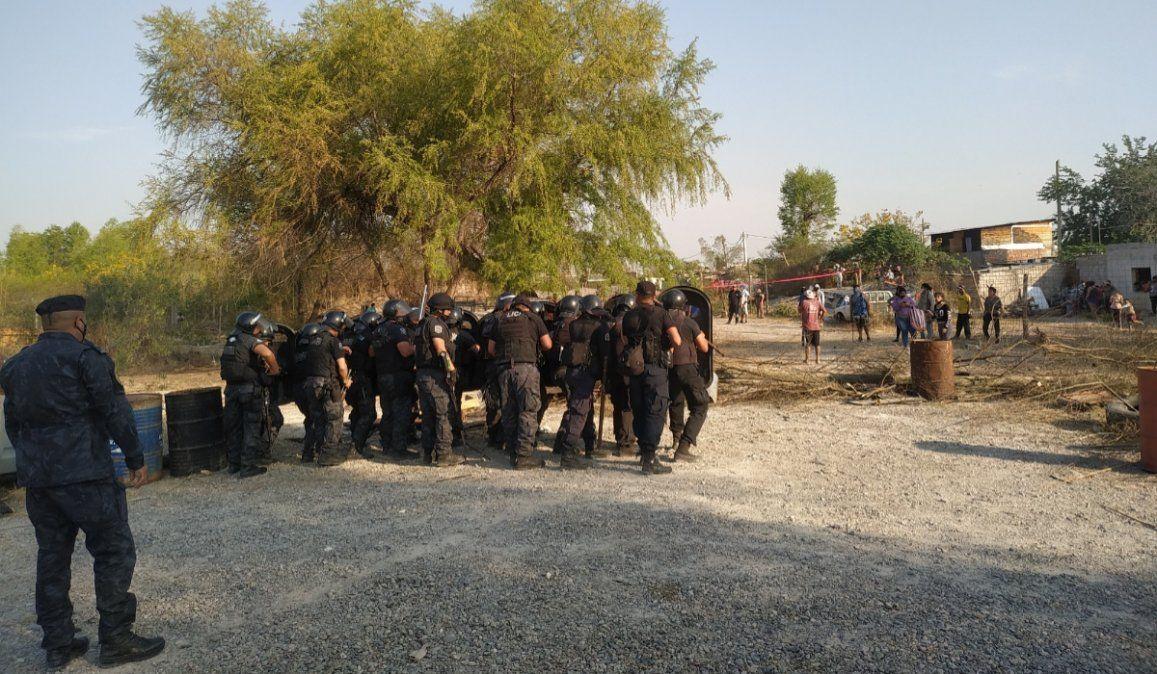 Continúan las tomas de tierras: 60 personas fueron desalojadas en barrio Bárcena