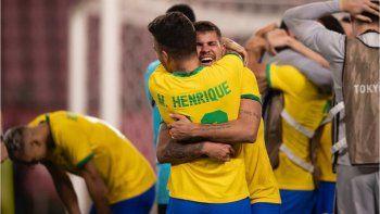 Brasil sigue en carrera para defender la dorada: eliminó a México y es finalista