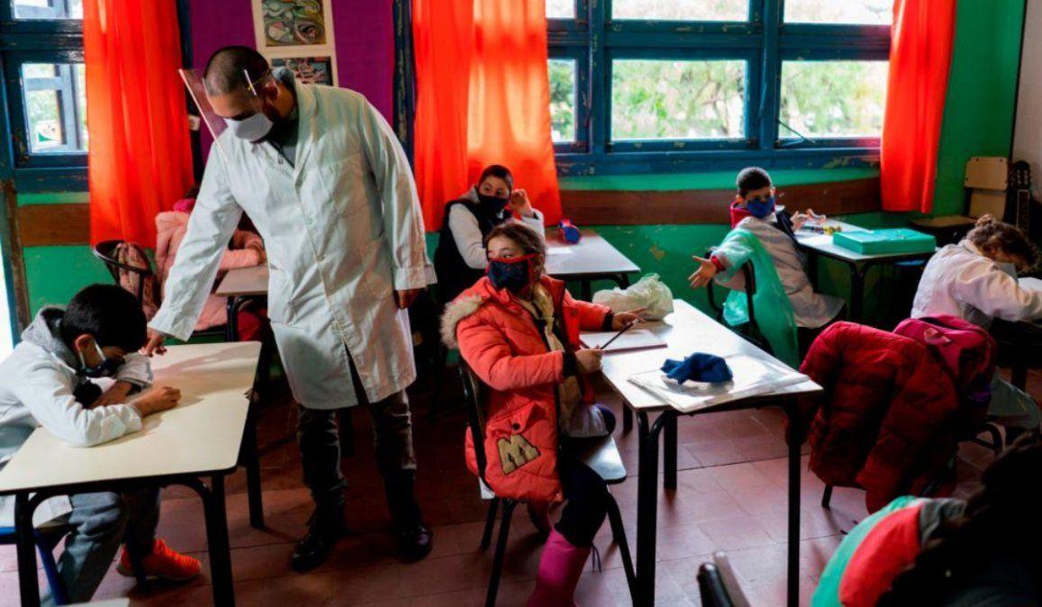 Más de 10.000 alumnos volvieron a clases en San Juan