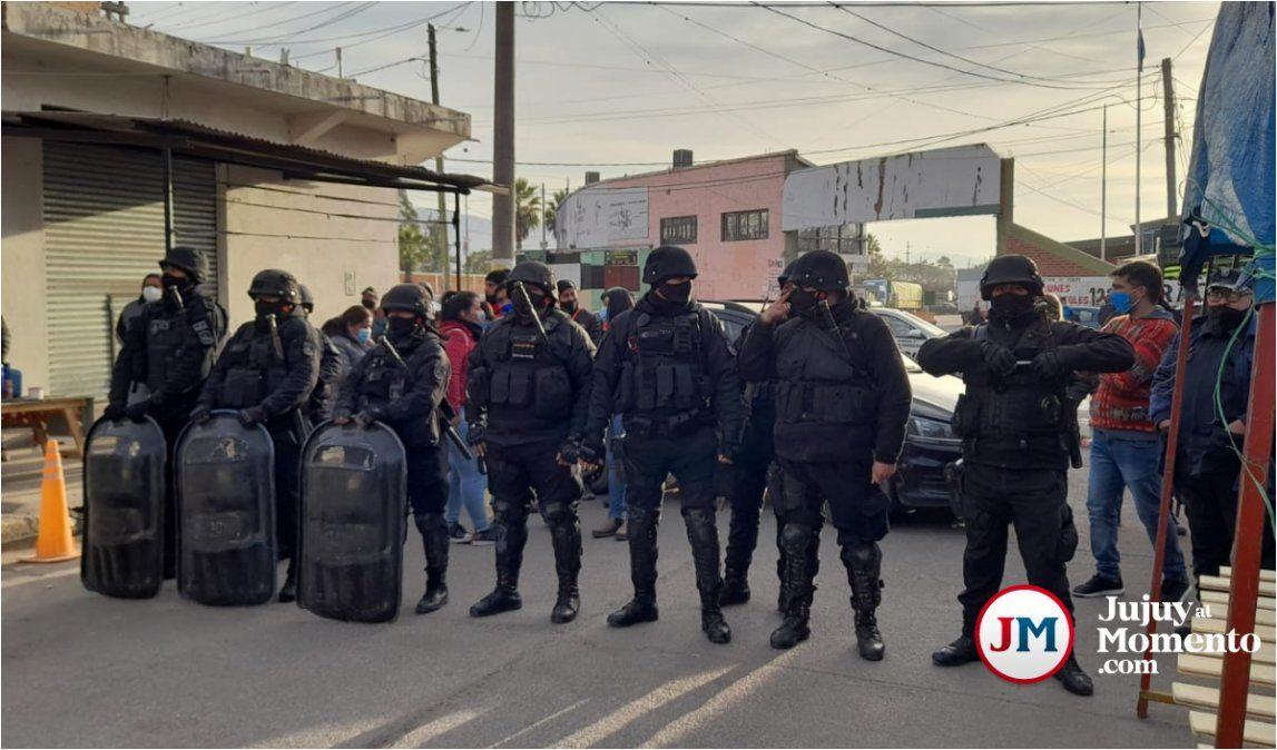 Tensión en Perico: conflicto entre ambulantes, comerciantes y vecinos