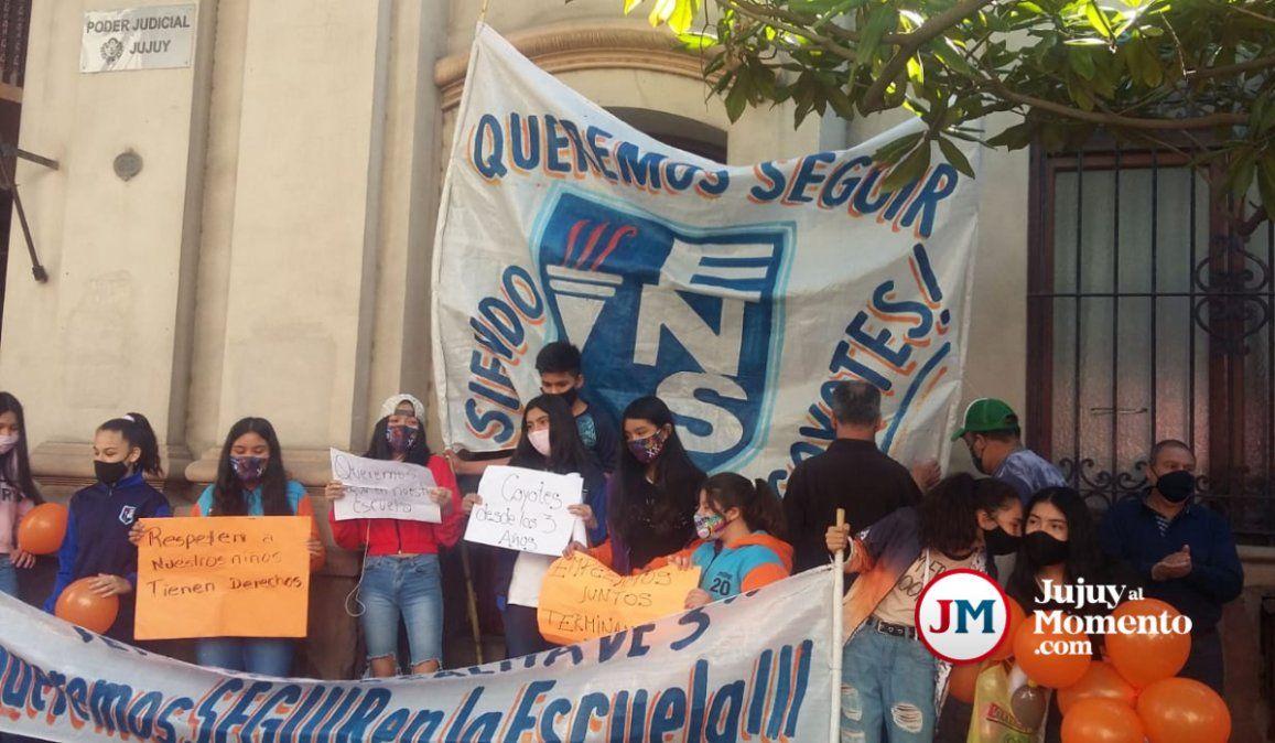 Sorteo de escuela: Cansados de las imposiciones de Calsina, padres recurren a la justicia