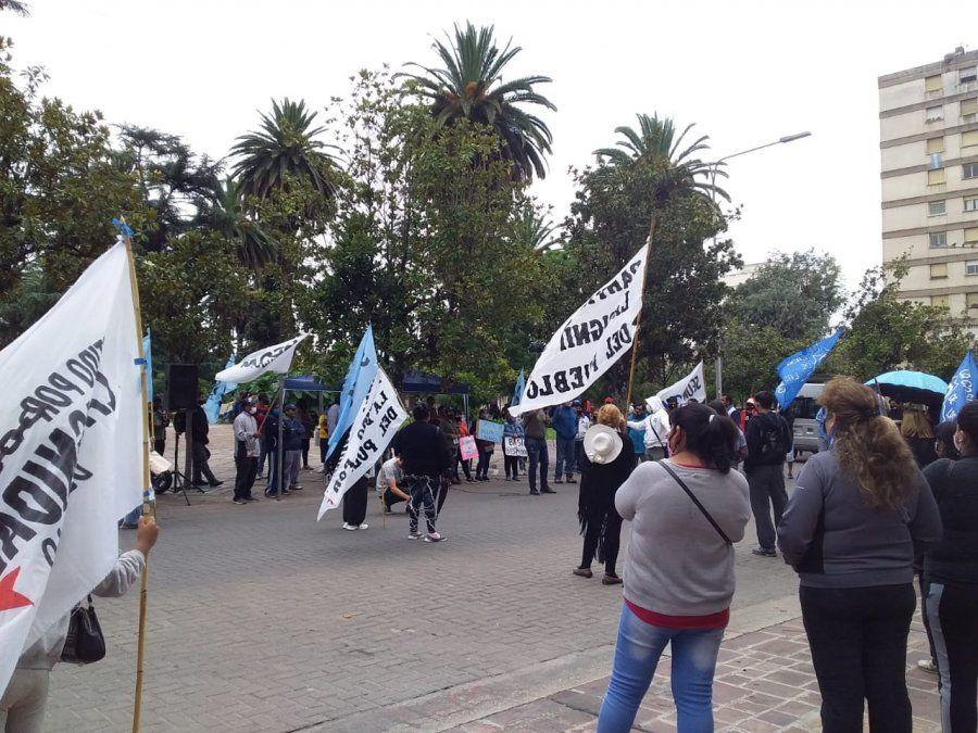 Malestar por municipales despedidos en Pampa Blanca