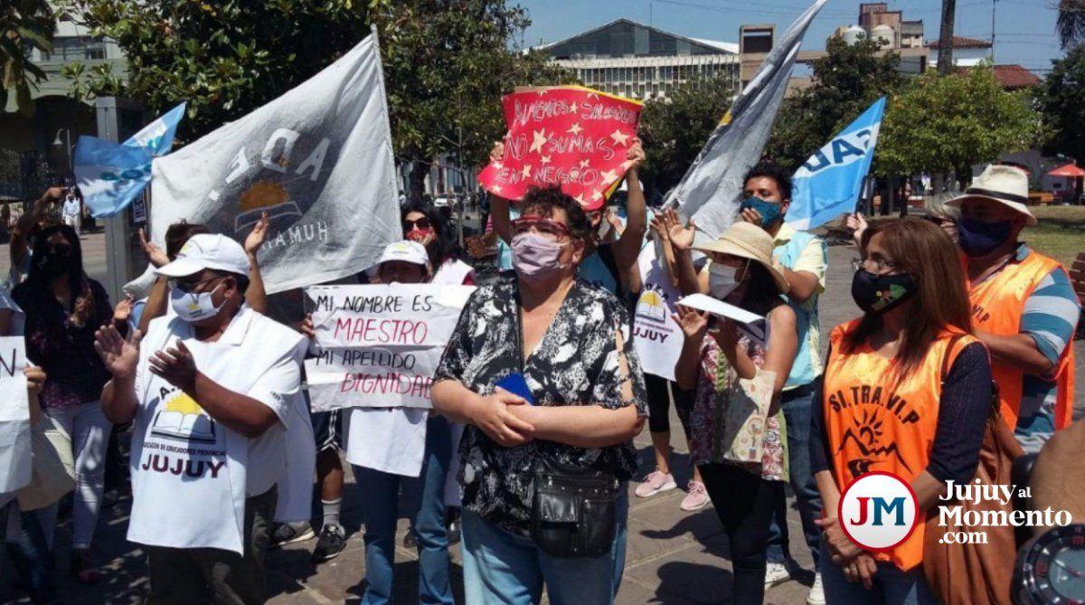 Gremios molestos: Desde mayo venimos pidiendo la reapertura de paritarias
