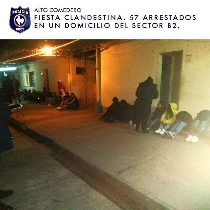 Fiesta clandestina en Alto Comedero terminó con 57 demorados