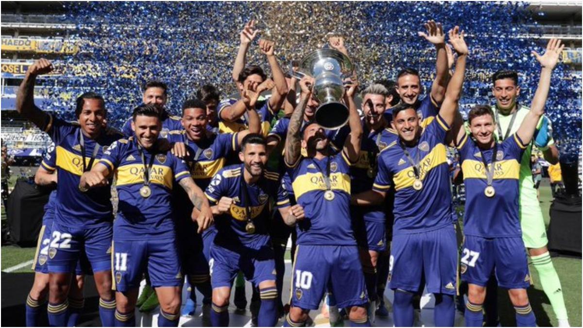 Luego de 258 días, Boca recibió la Copa de Campeón de la Superliga