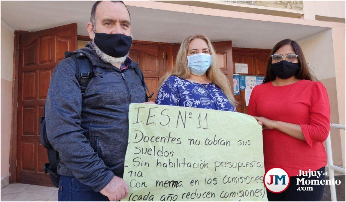 Docentes sin cobrar volvieron a protestar