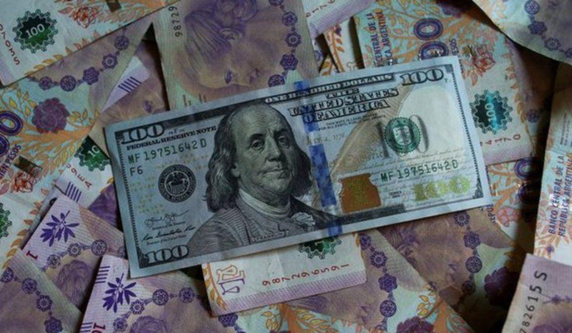 Más cepo al dólar: Además del impuesto del 30% habrá una retención del 35% y restricciones