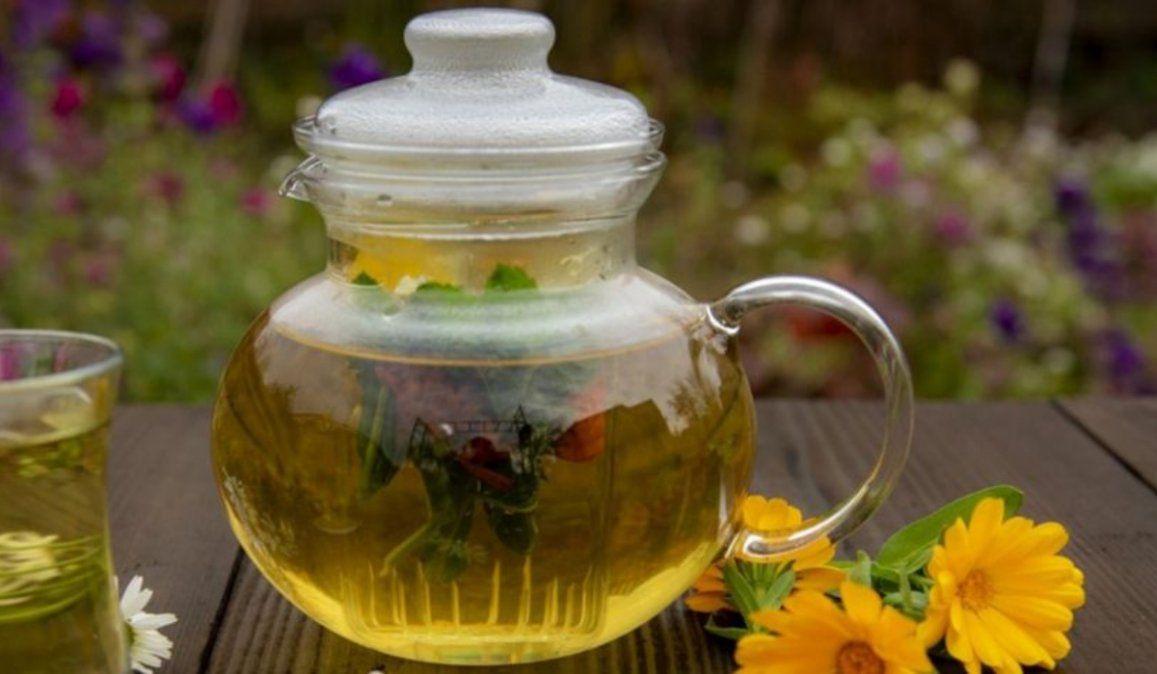 Mágico té de 12 flores para preparar en casa