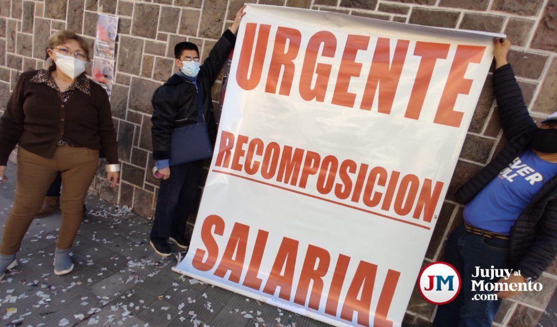 Trabajadores de salud exigen una urgente recomposición salarial