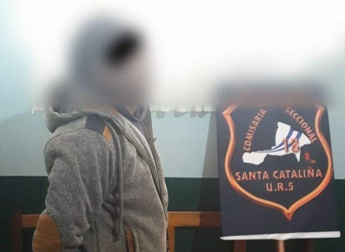 Detienen a un docente acusado de abusar de una alumna