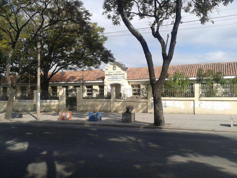 Otra escuela suspende sus clases por un caso de covid-19