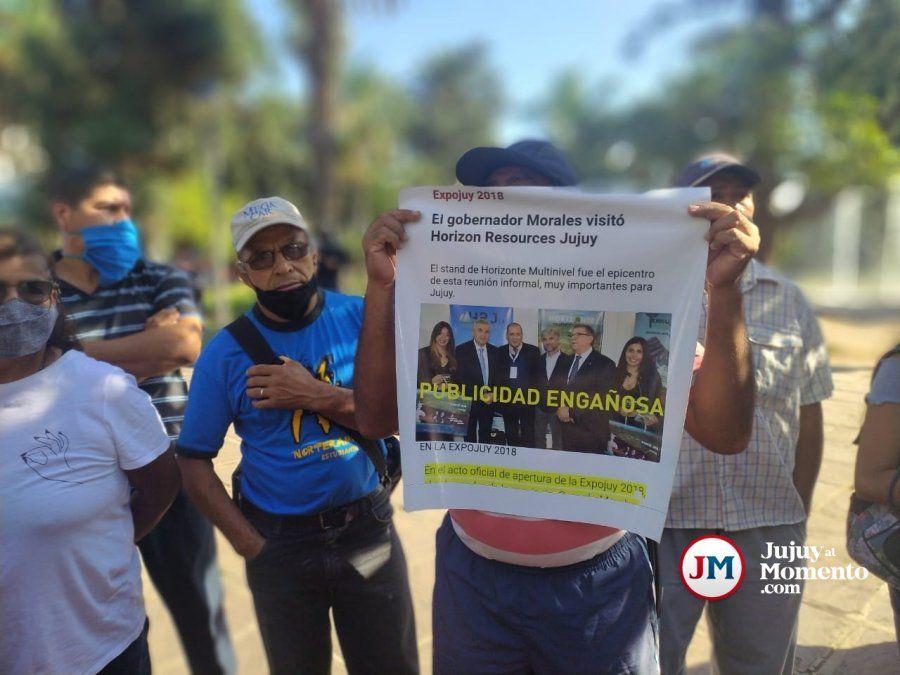 Estafados por la inmobiliaria Horizonte apuntan al gobernador y piden una reunión