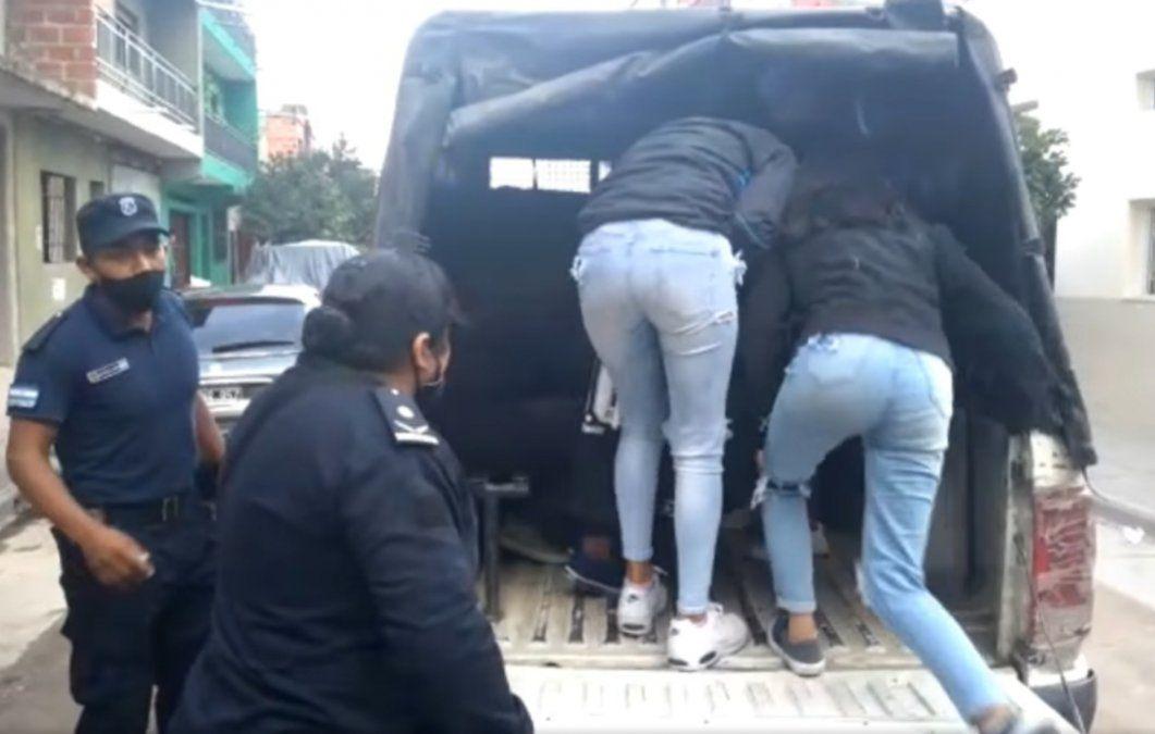 Una fiesta clandestina en El Chingo terminó con 27 detenidos