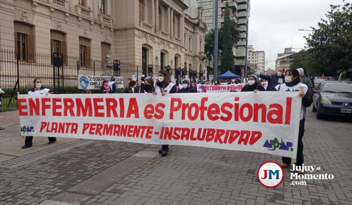 Marcha de enfermeros: Nada que celebrar y mucho que reclamar