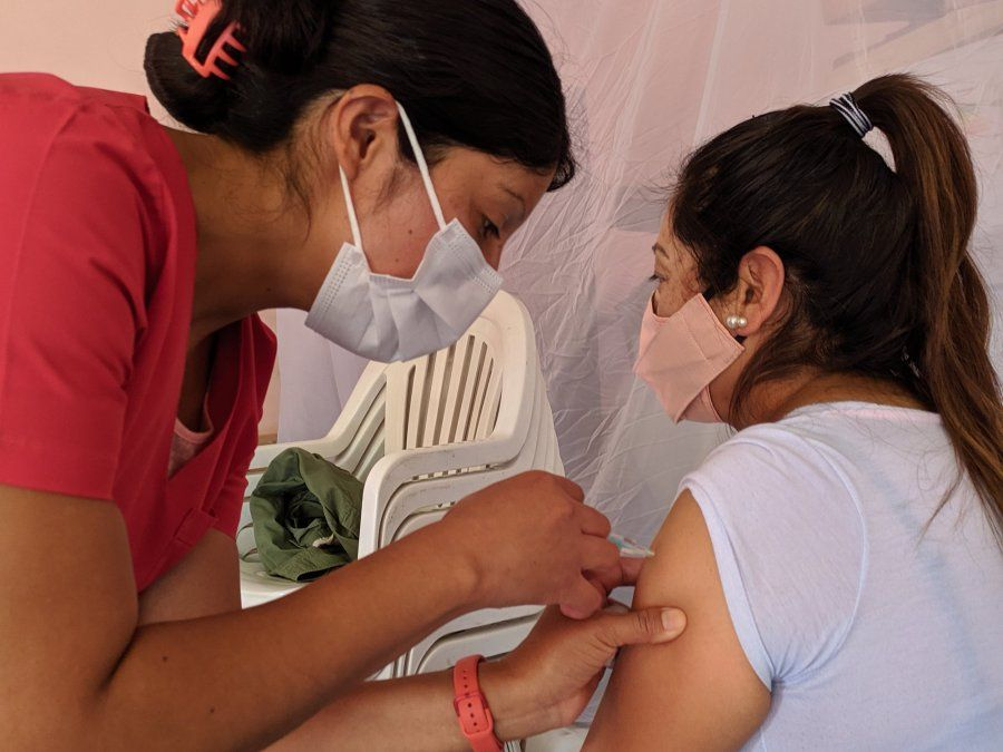 El gobierno decretó que es obligatoria la vacunación contra el coronavirus