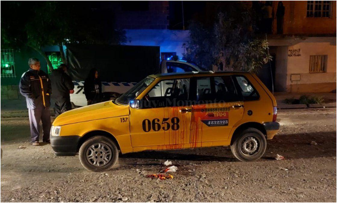 Violento ataque en Alto Comedero: Apuñalaron a un taxista en la cara