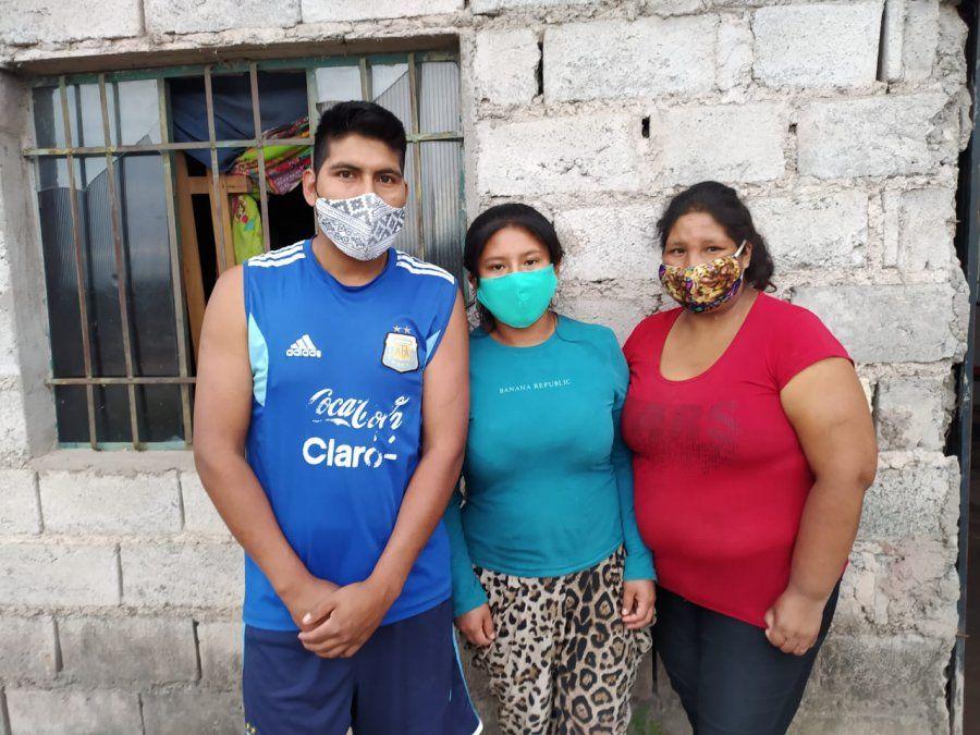 Su mamá murió, quedó a cargo de sus 4 hermanitos y necesita ayuda