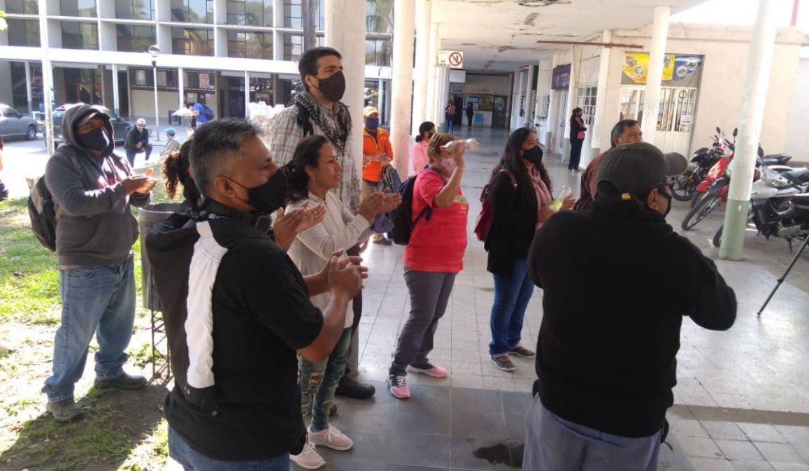 Segundo día de protesta del SEOM: Denuncian doble descuento del seguro de vida