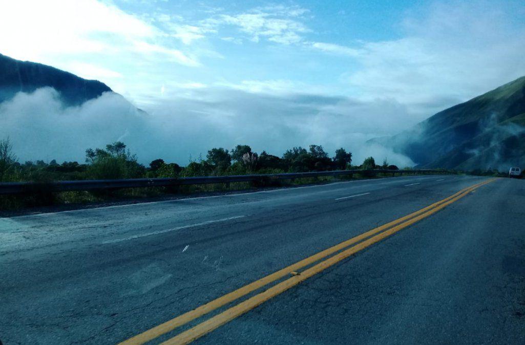 Neblina leve en Bárcena y llovizna en la 83 altura Valle Grande