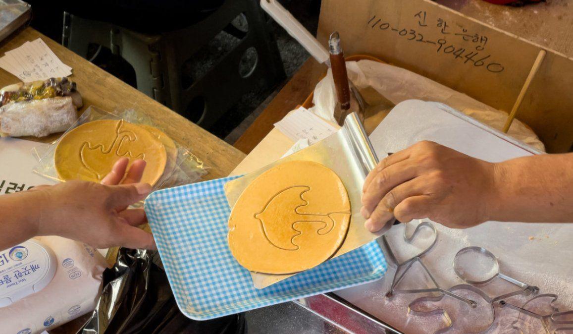 VIRAL: Las ventas de un puesto de galletas se disparan tras el éxito de la serie El juego del calamar