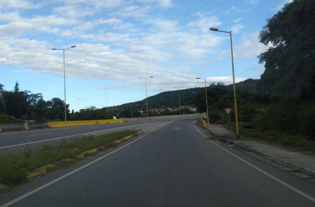 Neblina leve en Bárcena, corte en la 34 tramo Caimancito y Calilegua