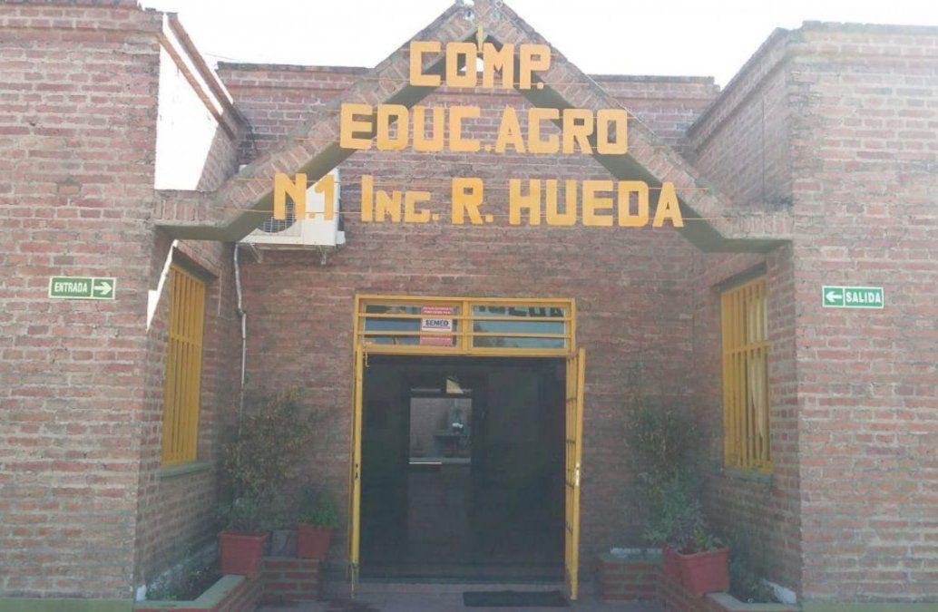 Una escuela abandonada en Perico: Hace un año y medio no tenemos gas